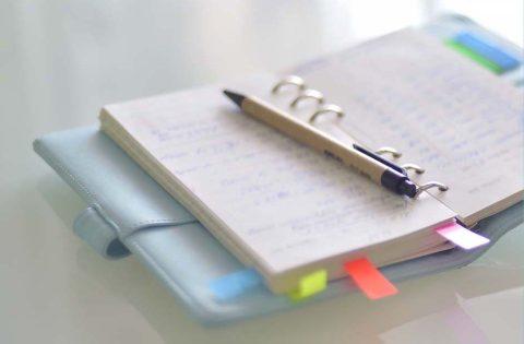 Ghostwriter – So finden Sie einen Ghostwriter, um Ihr Buch Manuskript zu schreiben